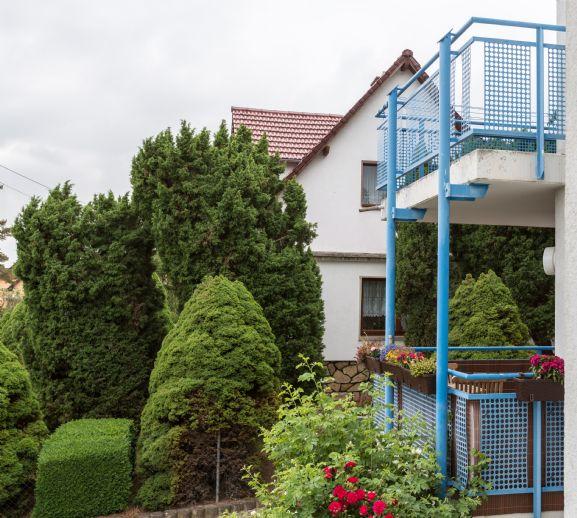 Helle 3R-Wohnung im 1. OG mit Süd-West-Balkon und Tiefgarage