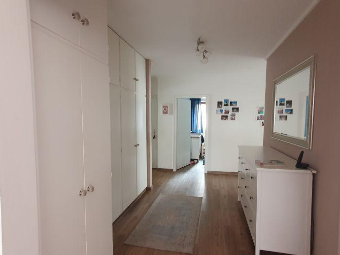 4-Zimmer-Wohnung mit Terrasse in Saarbrücken