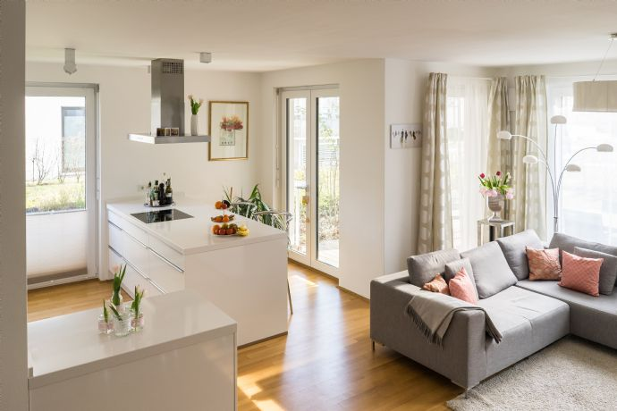 Exklusive, neuwertige 4-Zimmer-Terrassenwohnung mit schönem Garten