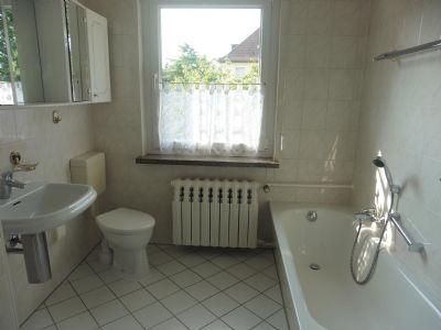 Bad mit Wanne/WC im OG