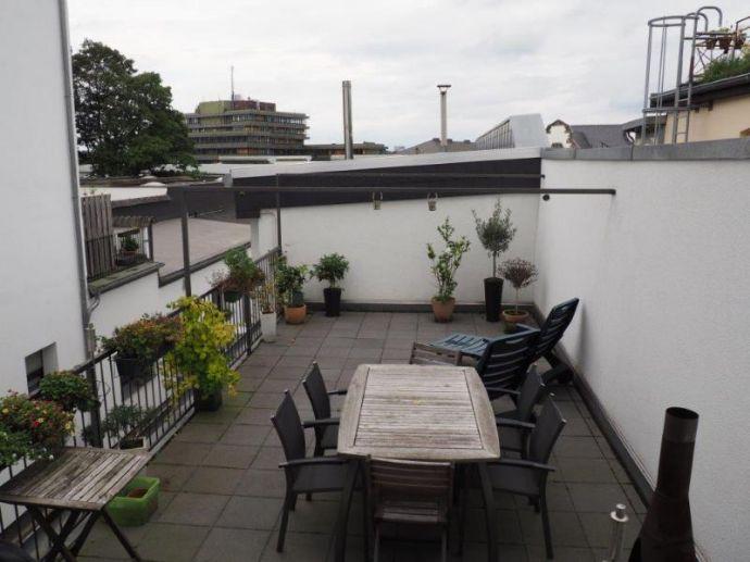 Lichtdurchflutete  4-Zimmerwohnung - mit toller Dachterrasse!