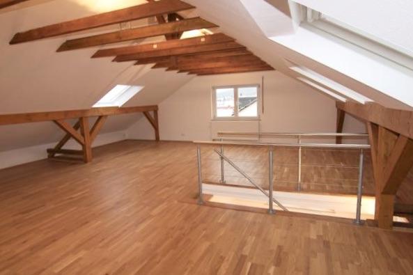 LOFT Maisonette mit Einbauküche, Balkon und toller Aussicht zu vermieten