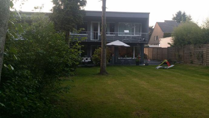 Helle und moderne Doppelhaushälfte in Erkrath Hochdahl