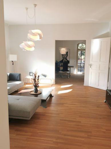 Möblierte 3,5-Zimmer-Wohnung mit 30qm Balkon in Kassel