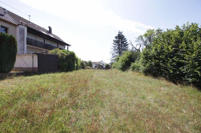 Provisionsfrei! Schönes Baugrundstück in Weiskirchen mit fast 1000 m² Grundfläche