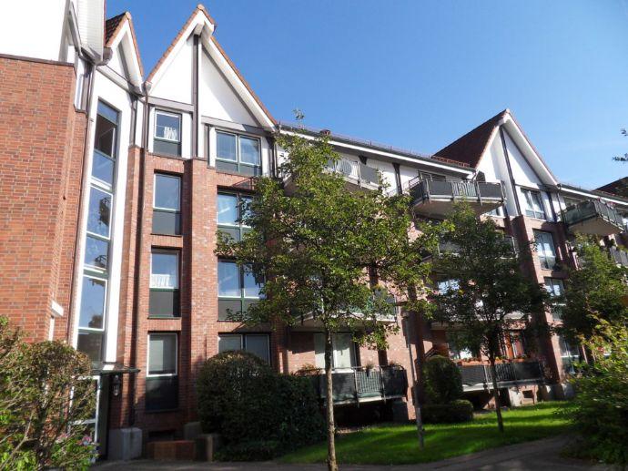 Frisch renovierte 2-Zimmer-Wohnung mit Balkon, Einbauküche und Vollbad!