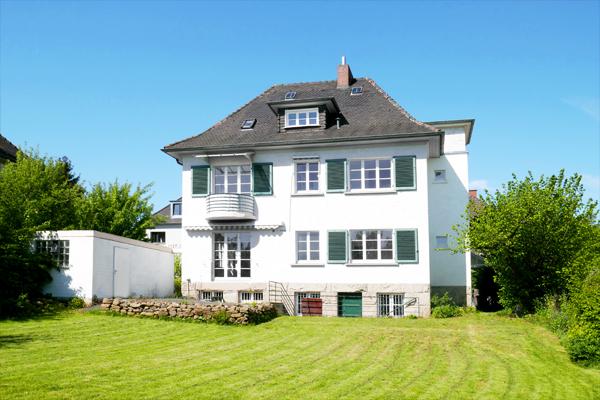 Bad Wilhelmshöhe / Flüsseviertel⦠Exklusive Villa im Kaffeemühlenstil mit modernster Ausstattung umgeben von einem parkähnlichen Grundstückâ¦