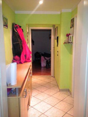 gepflegte dachgeschoss altbauwohnung in der altstadt von krefeld etagenwohnung krefeld 2aecz4c. Black Bedroom Furniture Sets. Home Design Ideas