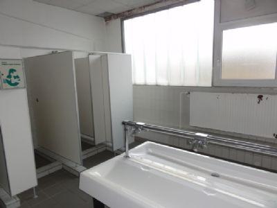 Halle 1- Waschräume
