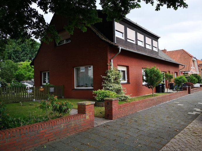 Dreifamilienhaus zum günstig Wohnen oder als Rendite Objekt zu nutzen
