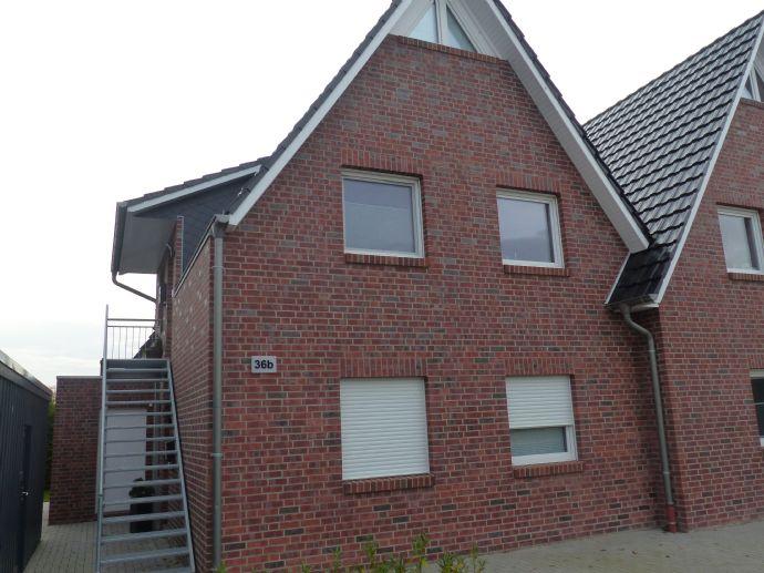 Doppelhaushälfte mit zwei Wohnungen in Bad Zwischenahn, nur 2 km von Oldenburg.