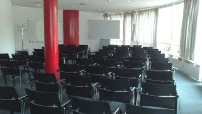 Seminarraum 1 + 2 - Reihenbestuhlung