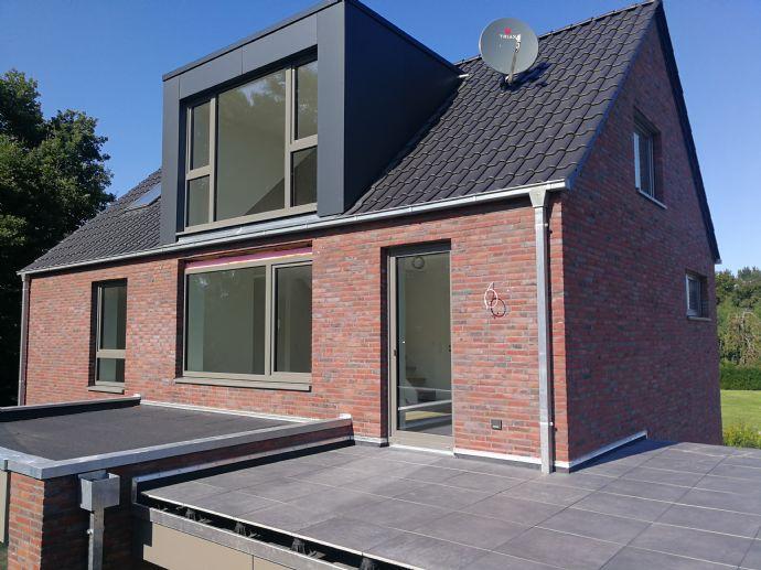 Exklusive 3-Zi.-Penthousewohnung (Neubau), Süd-Dachterrasse, Carport, Abstr. in Bad Zwischenahn, ru