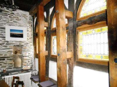 Spätgotische Spitzbogenfenster im Schieferzimmer!
