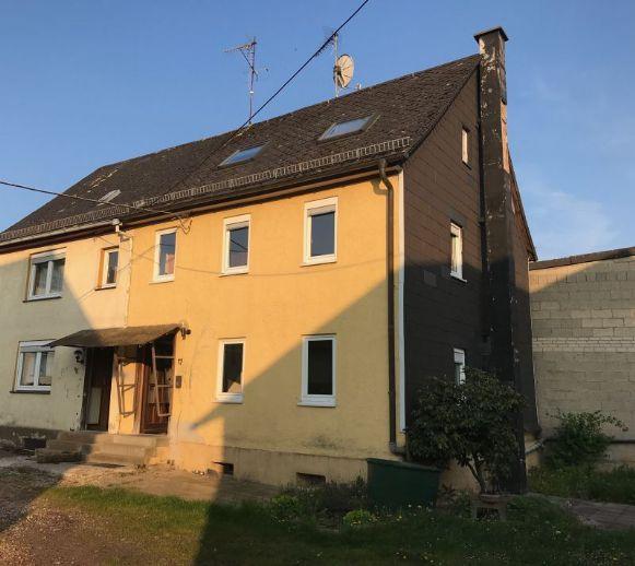 2 Häuser mit Nebengebäude auf großem Grundstück in Heidenrod/OT!