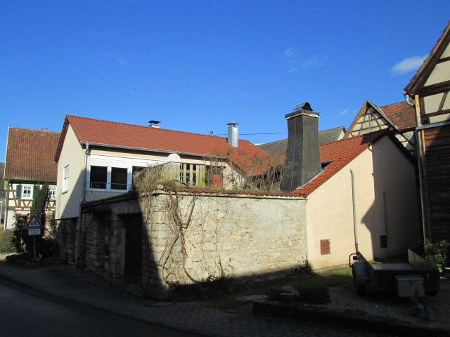 EFH mit einer schönen Terrasse und Kamin, idyllische Lage zum Wohlfühlen in Geislingen