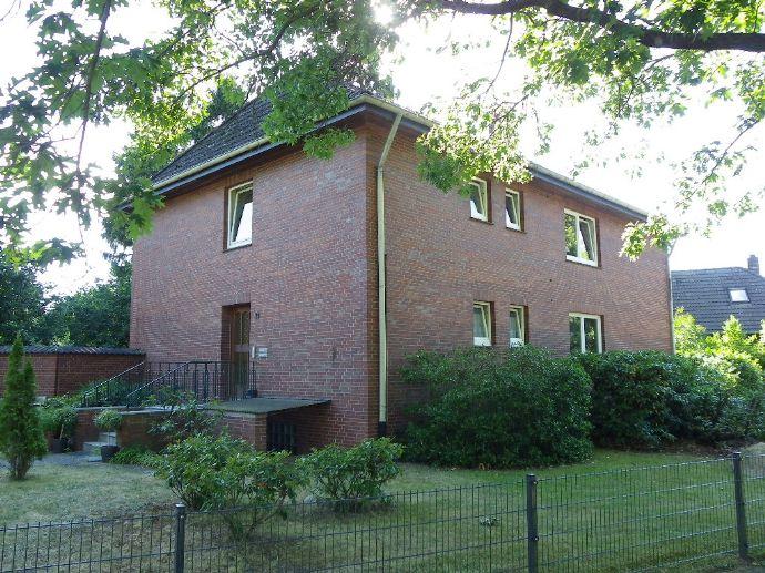 Renovierte 4-Zimmer-Wohnung mit Garten und Garage in Schneverdingen