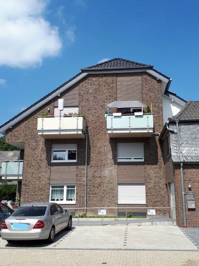 Erstbezug eines seniorengerechten Ein-Raum-Apartments mit Betreuungsangebot, inklusive hochwertiger