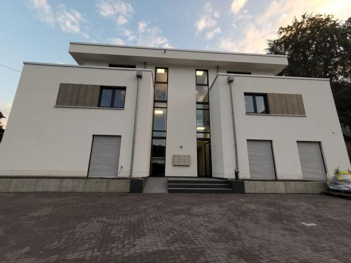 Exclusive 3-Zimmer-Wohnung für gehobene Ansprüche mit Terrassen, Einbauküche und Fahrstuhl
