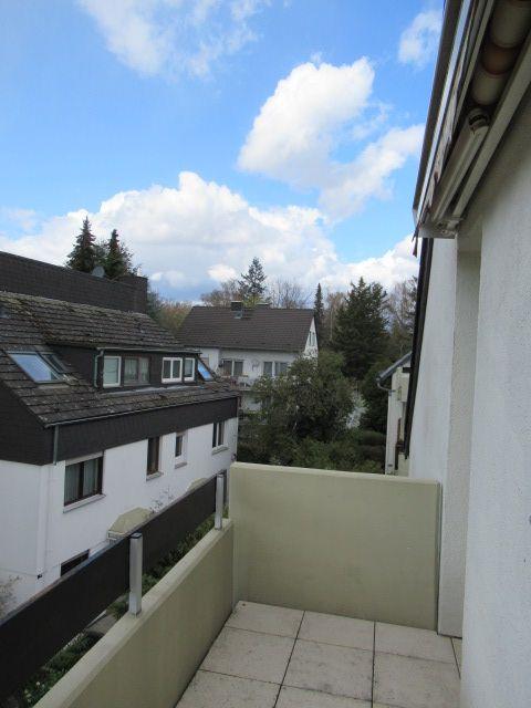 Bierstadt, Erstbezug nach Sanierung, ruhige 2 Zimmer-Wohnung mit Balkon