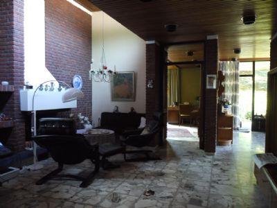 repr sentatives einfamilienhaus mit apartment und gro em garten von privat einfamilienhaus. Black Bedroom Furniture Sets. Home Design Ideas