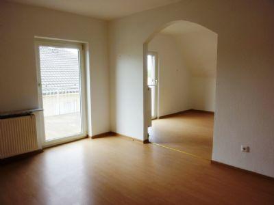 Wohnzimmer OG Blick ins Esszimmer