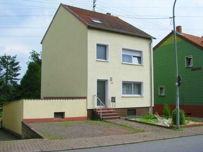 Einfamilienhaus mit Landwirtschaftsfläche in Großrosseln