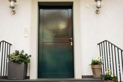Neu sanierte 2-Zimmer-Wohnung, Hell, Ruhig gelegen in F-Eckenheim