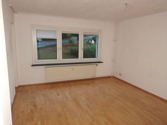 Renovierte-4-Zimmer Wohnung mit Balkon