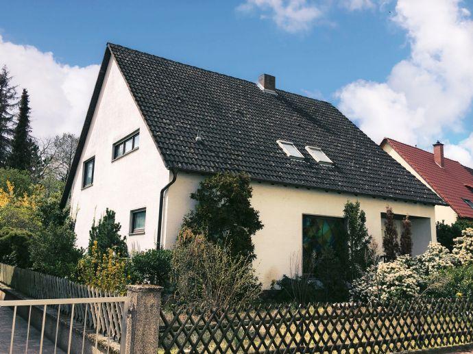 Großzügige Villa mit Traumgarten!