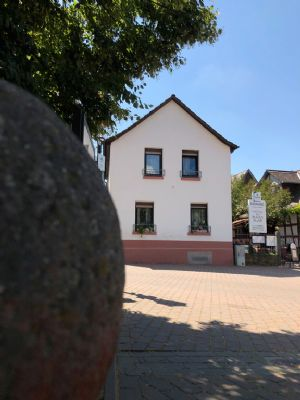 Schnuckeliges Stadthaus mit Hofgarten in verkehrsberuhigter Lage