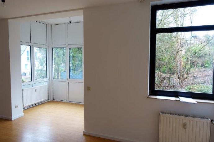Witten-Bommern: Senioren-Wohnung, 40m², Wintergarten, barrierefrei mit Notruf