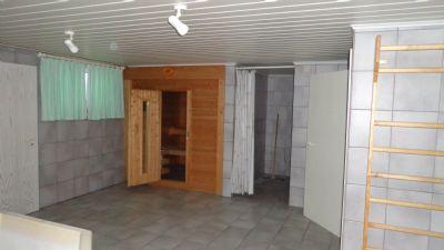 Sauna mit Duschbereich