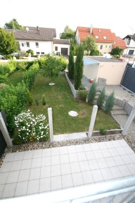 reichertshofen ger umige doppelhaush lfte mit garage gro z giger garten terrasse. Black Bedroom Furniture Sets. Home Design Ideas