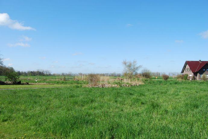 FRISCHE BRISE...schönes, voll erschlossenes ca. 2.196 m² großes Baugrundstück nur wenige Fußminuten vom Weserstrand entfernt........
