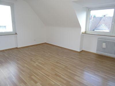 Helle, ruhige 3-Zimmer-DG-Whg. in  guter Lage von Gerresheim