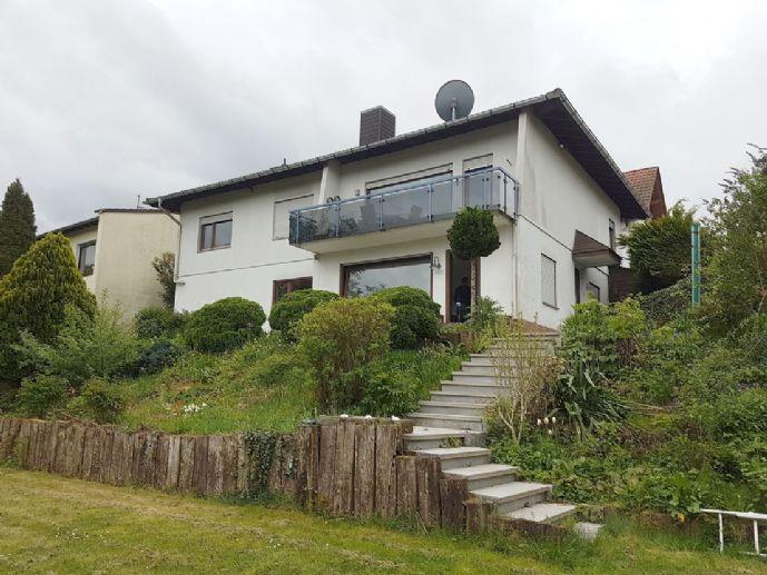 Großzügiges Einfamilienhaus mit ELW im Gartengeschoss, in toller Hanglage mit unverbaubarem Blick