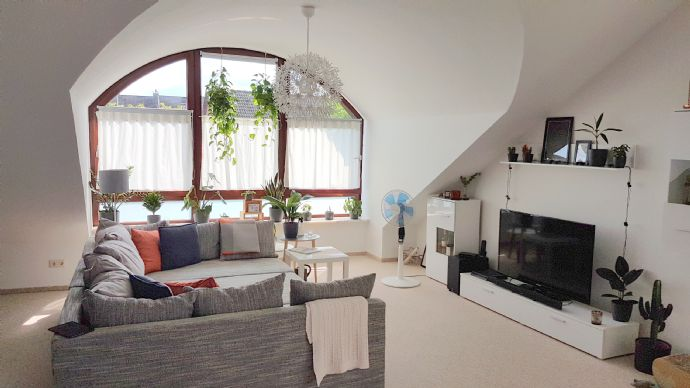 Großzügige, nicht alltägliche Atelierwohnung in HH-Bergedorf langfristig zu vermieten.