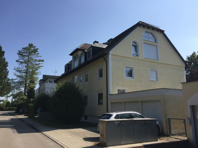 Sonnige, großzügige, moderne 4-Zimmer-Wohnung mit Balkon in Bestlage Obermenzings