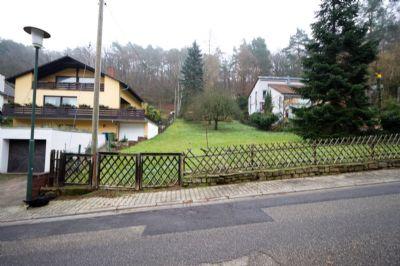 Großzügiges Baugrundstück in Waldrandlage