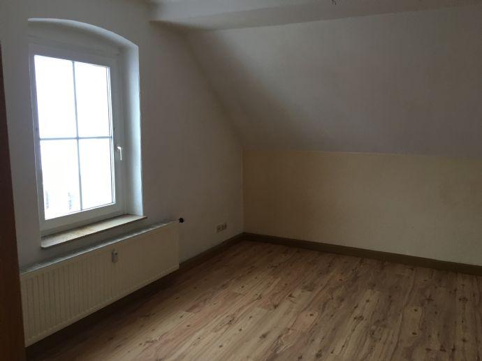 Schöne helle 3 Raum Wohnung in Niederdorf