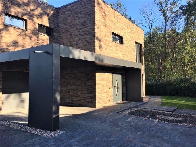 LEHNITZSEE-IMMOBILIEN: Bauhausvilla mit Gästehaus