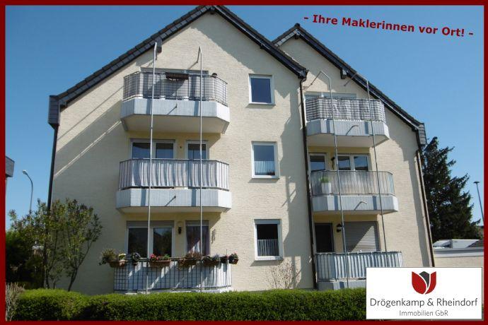 Renovierte gepflegte 2 Zimmer Wohnung  Balkon  Garage