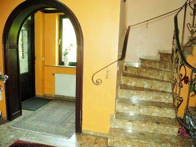 6 Eingangsbereich Haupthaus 004