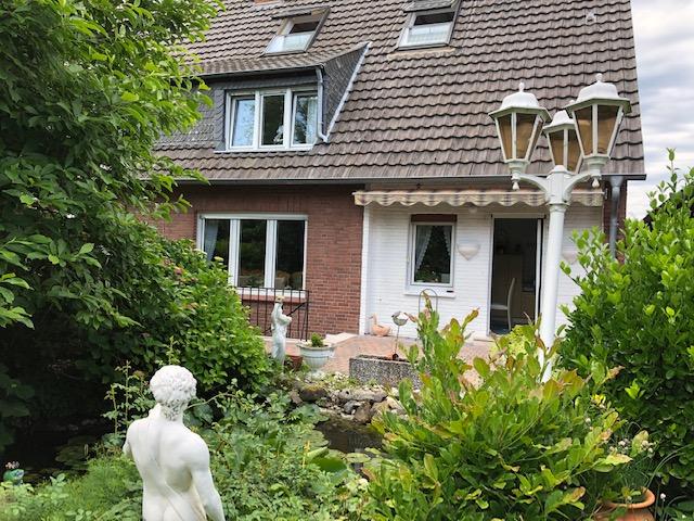 Doppelhaushälfte mit Potential zu verkaufen