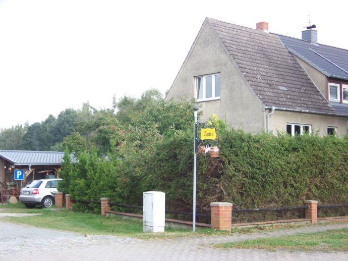 Doppelhaushälfte mit Galerie und Antikhandel in Malliß an der B - 191 !