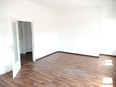 Wohnzimmer Richtung Tür