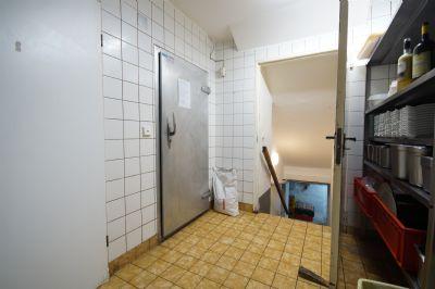 Kühlräume und Kellerabgang