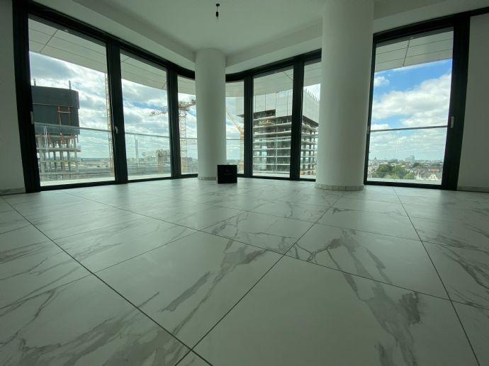 Grand Tower Erstbezug: Edle 3-Zimmer-Wohnung mit einem sensationellen Skyline-Blick, EBK, zwei Parkp