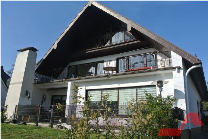 Großes Ein/Zwei-Familienhaus mit Weserblick